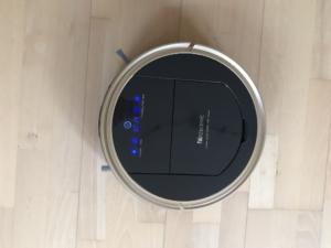 Saugroboter Proscenic 790T von oben aufgenommen